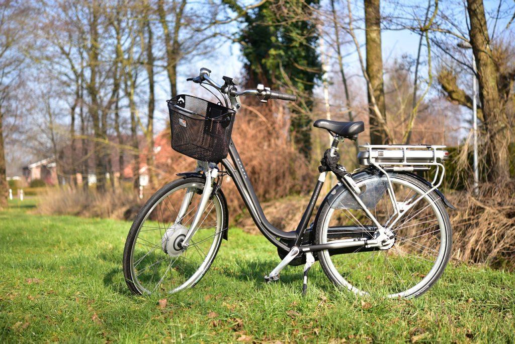 Sicher E-Bike fahren – Senioren sind häufig überfordert
